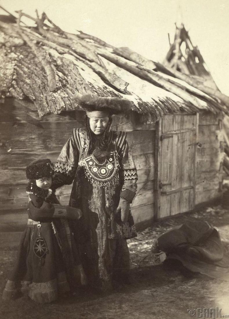 Минусинскийн ойролцоох жижиг тосгонд амьдардаг Татарууд