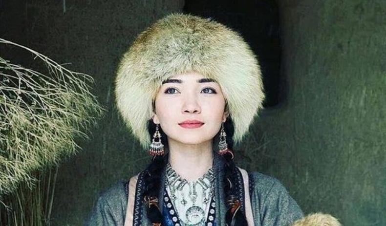 Төв Азийн олон үндэстэн бүсгүйчүүдийн гоо үзэсгэлэн