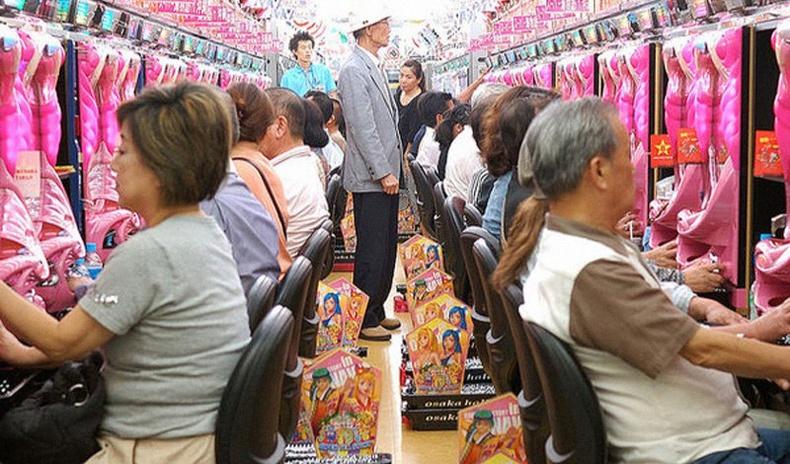 """Солонгос бизнесмэнүүд япончуудыг хэрхэн """"шулдаг"""" вэ? (Пачинко тоглоомын нууц)"""