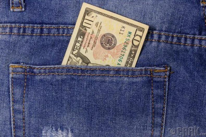 Хэрвээ та өргүй, халаасандаа 10 доллартай бол америкчуудын 15%-аас баян гэсэн үг