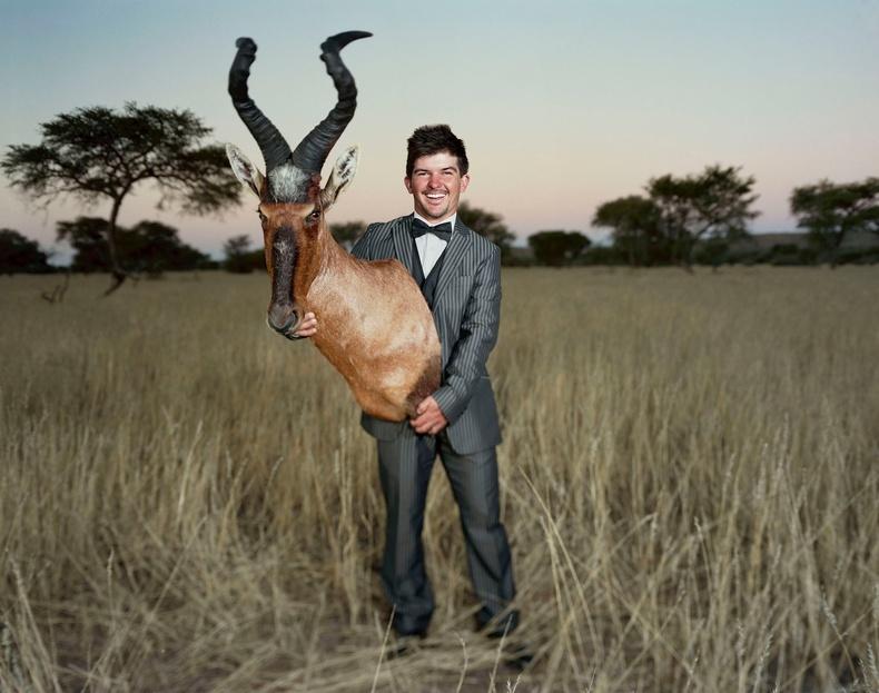 Жак ба түүний агнасан хартебест гөрөөс. Намиби, 2015