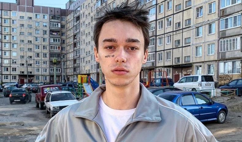 Тосгоны ядуу хүү Оросын загварын нүүр царай болсон нь... (Саша Траутвейн гэж хэн бэ?)