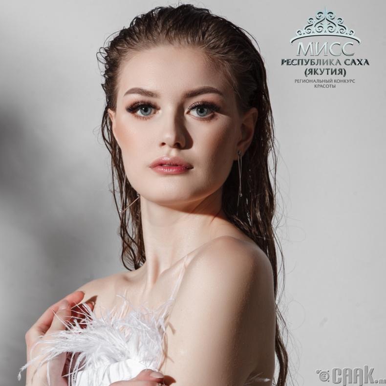 Васильева Яна (18 настай, өндөр 175)