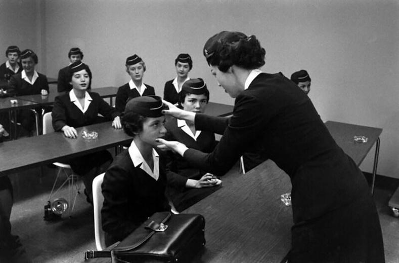 Форт Уортын онгоцны үйлчлэгчийн сургуулийн хичээл дээр. АНУ, 1958