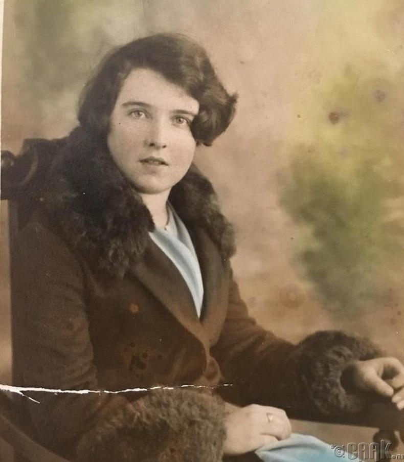 Нарийн бичиг бүсгүй - 1920-оод он