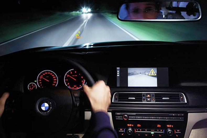 Шөнийн жолоодлого хийхэд анхаарах зүйлс