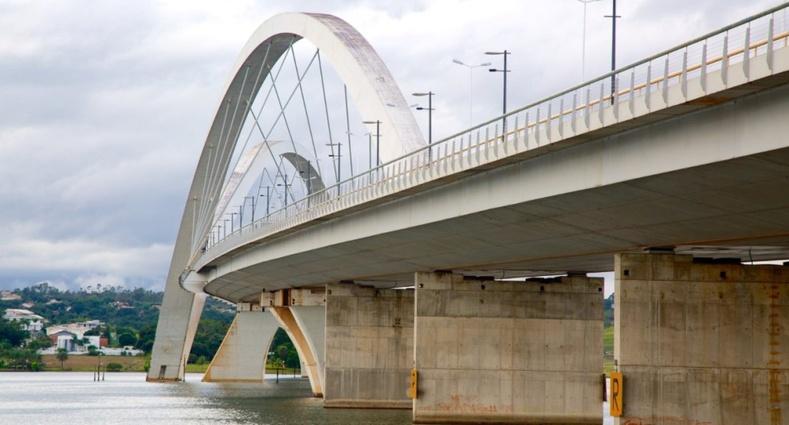 Juscelino Kubitschek Bridge, Бразил