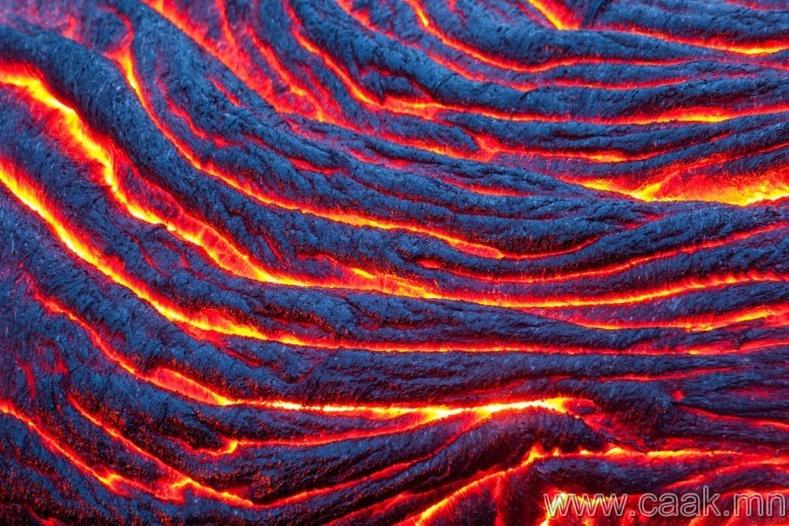 Хавайн томоохон арал дээр авсан гэрэл зураг. Идэвхитэй галт уулын лав.