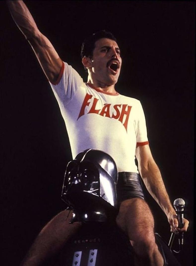 Darth Vader дээр мордсон Фредди Меркьюри, 1980 он.