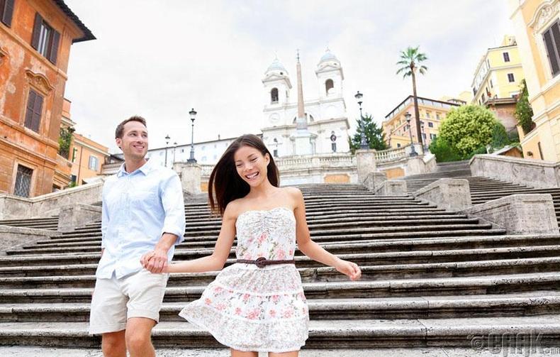 Италийн гудамжаар романтик болзоо хийх