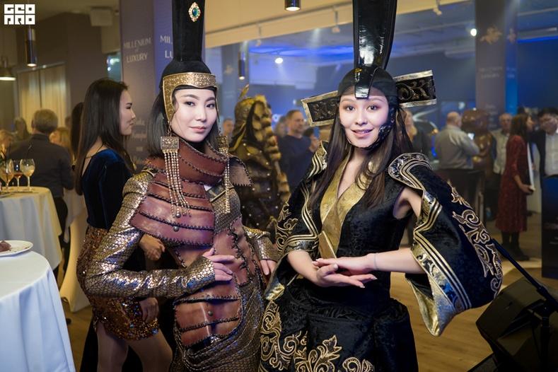 Монголын соёл урлаг, бүтээгдэхүүнийг оросуудад гайхууллаа
