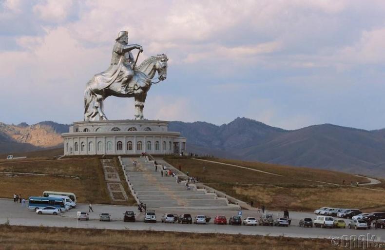 Чингис хааны булш