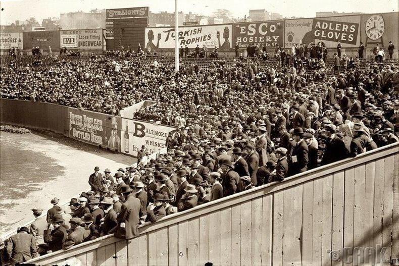 Түүхэн тулаан-1912 оны 10-р сарын 8-нд Нью-Йоркийн Аварга болон Бостон Ред Соксын хооронд анхны дэлхийн хэмжээний тулаан болжээ