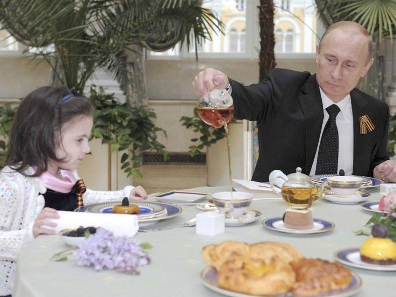 Путины хаан мэт тансаг амьдрал