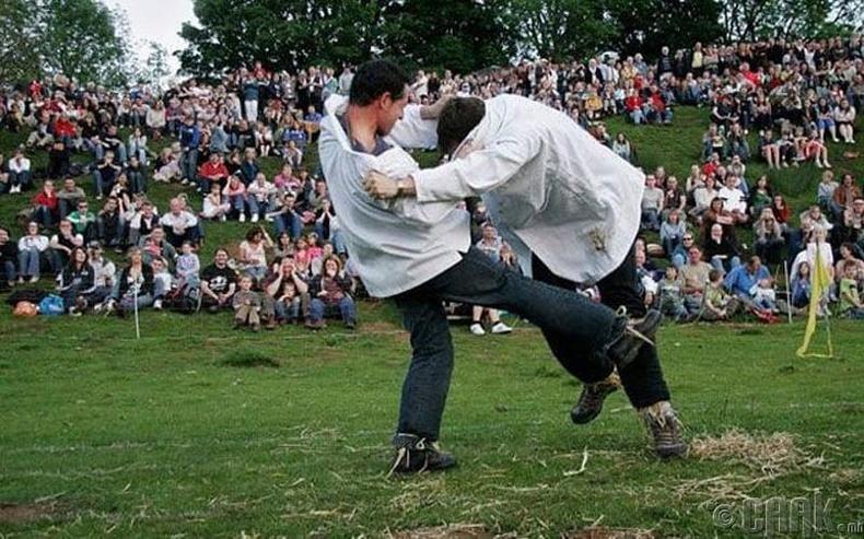 Хавсрах мэхийн аварга шалгаруулах тэмцээн, Англи улс
