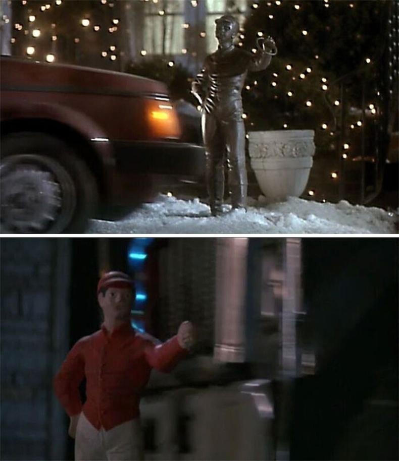 """""""Гэртээ ганцаараа"""", """"Adventures in Babysitting""""кинонуудад ижил төстэй үзэгдэл олон байдаг. Тус хоёр киноны найруулагчаар Крис Колумбус ажилласан."""