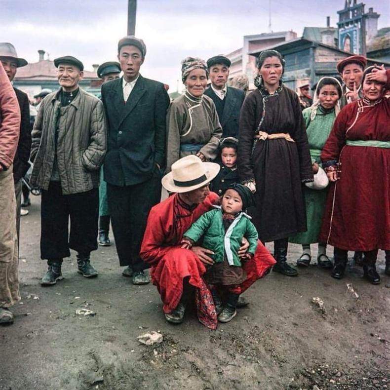 Улаанбаатар хотын монгол ба хятад иргэд, 1957