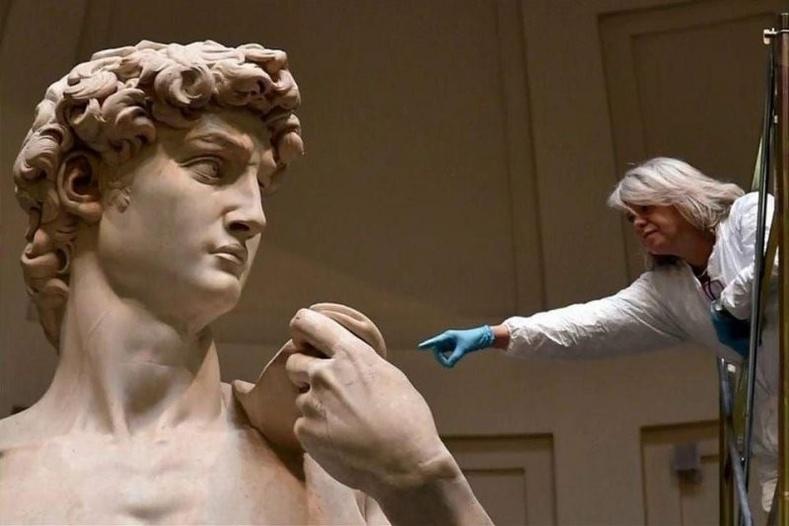 """Микеланжелогийн """"Давид"""" хөшөө ийм том хэмжээтэй байдаг"""