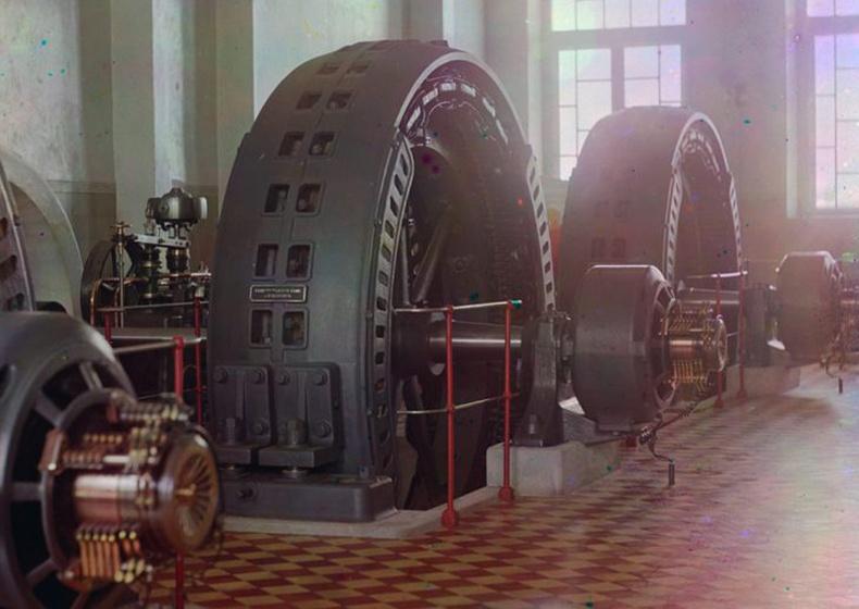 Туркменистаны Мургаб гол дээрх цахилгаан станц. Энэхүү генераторыг Будапешт хотод үйлдвэрлэсэн аж - 1910 он