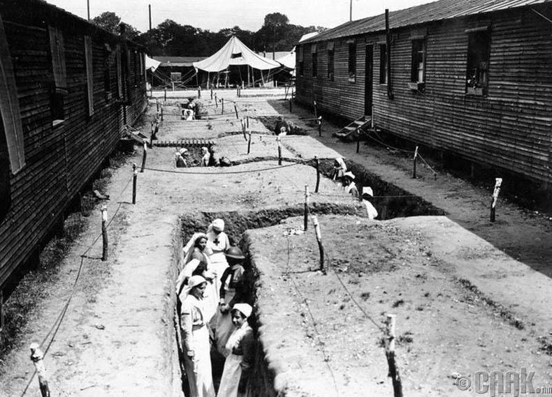 Францын цэргийн эмнэлгүүдэд зориулсан нуувчууд, 1918 он