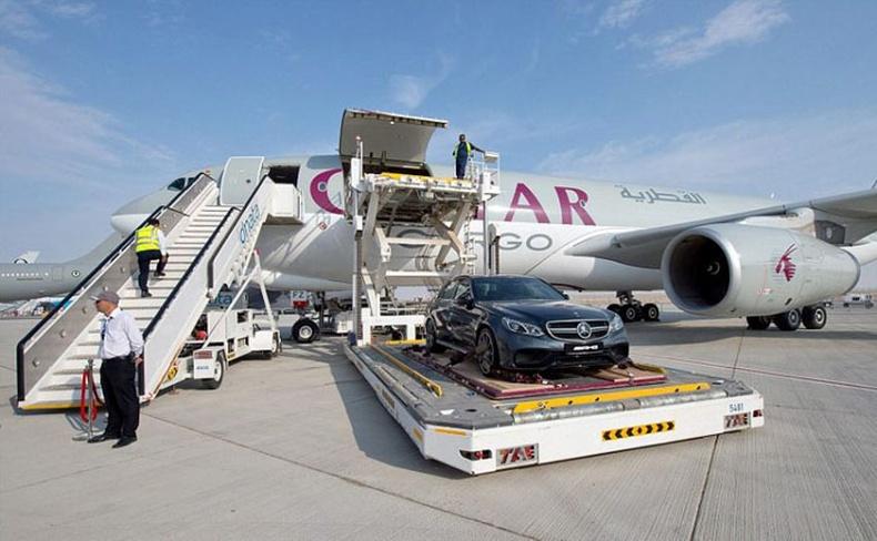 Арабын баячууд үнэтэй машинаа хэрхэн тээвэрлэдэг вэ?