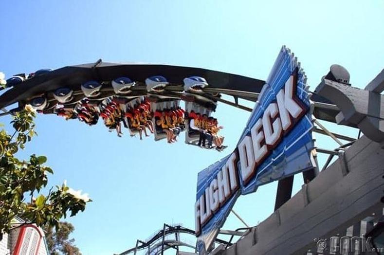 "Калифорни мужын ""Great America"" паркын нисдэг ширээ"