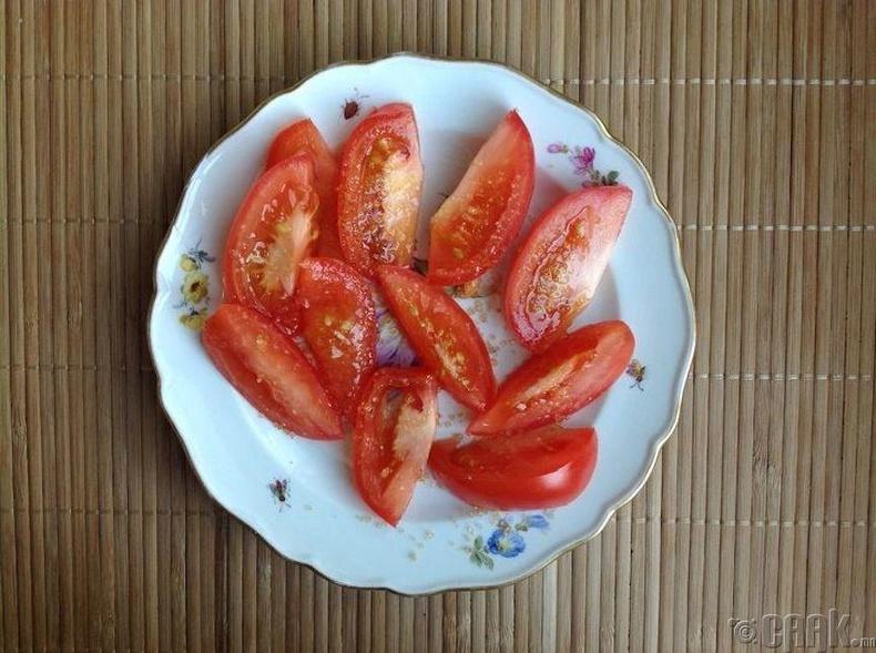 Чихэртэй улаан лооль