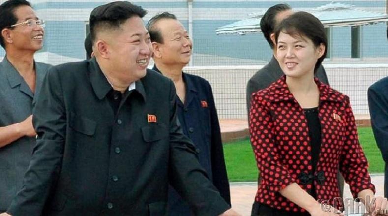 Ким Жон Уны эхнэр Ри Соль Жү