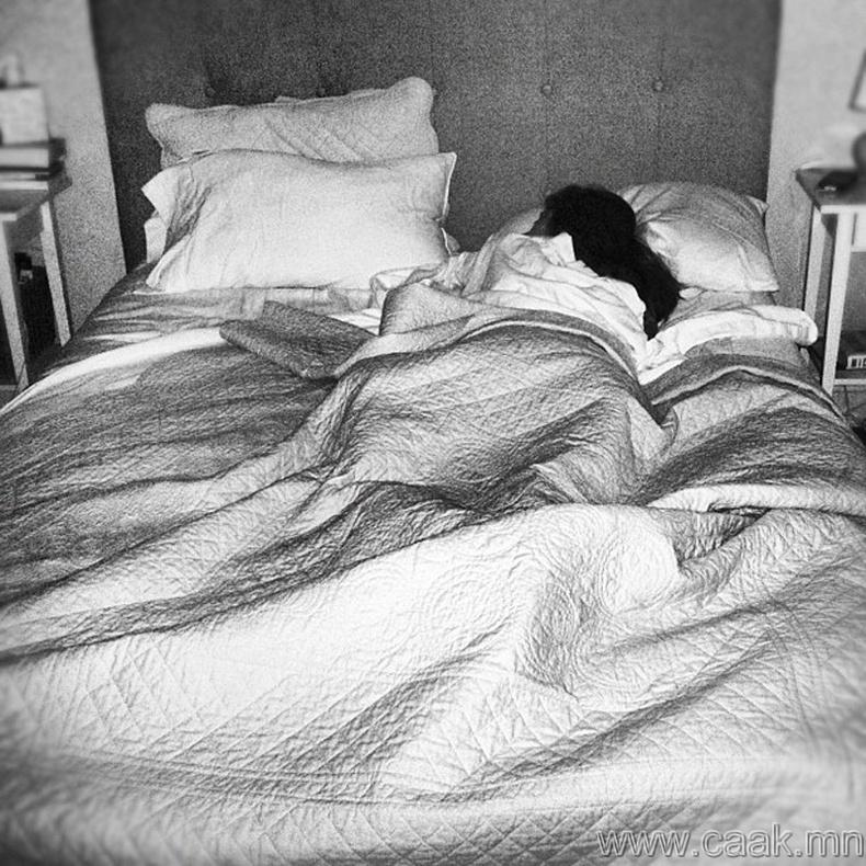 Тогтсон нэг цагт унтаж хэвш