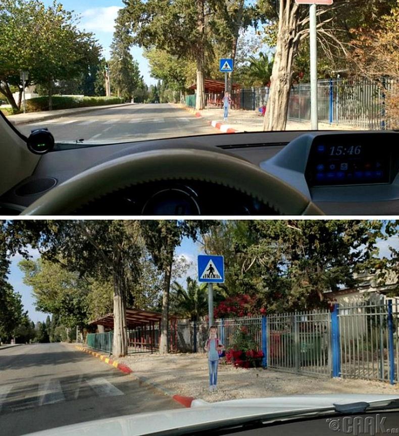 Сургуулийн бүсээр явж буй машинтай хүмүүсийн анхаарлыг татаж, хурдыг нь сааруулахын тулд ингэж хүүхдийн зураг тавьжээ