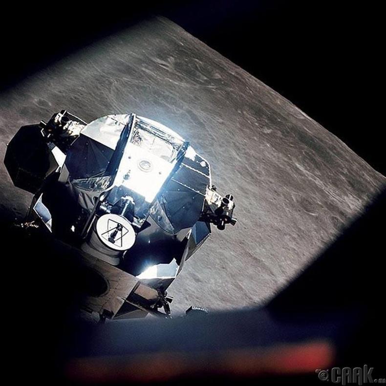 """""""Apollo 10"""" хөлгийн багийнхан сансарт хачин хөгжим сонсчээ"""