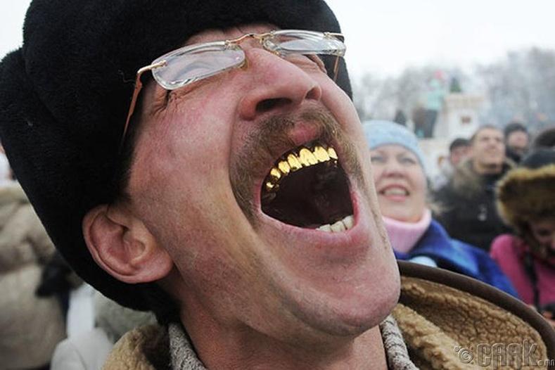 Алтан шүд