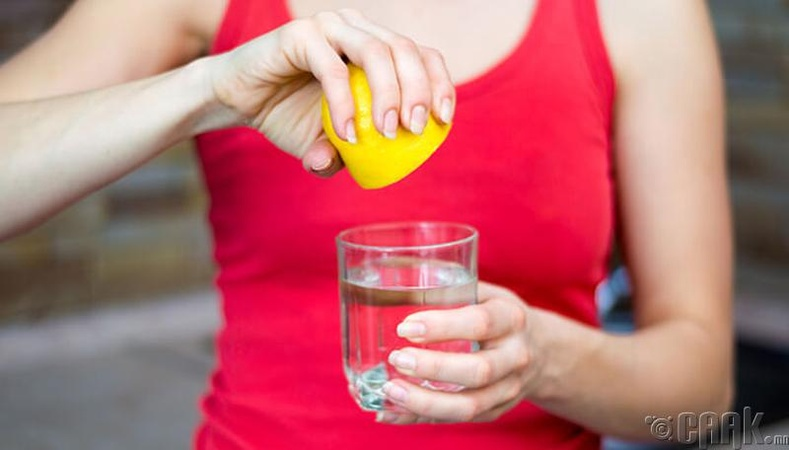 Нимбэг болон гаатай ус уух