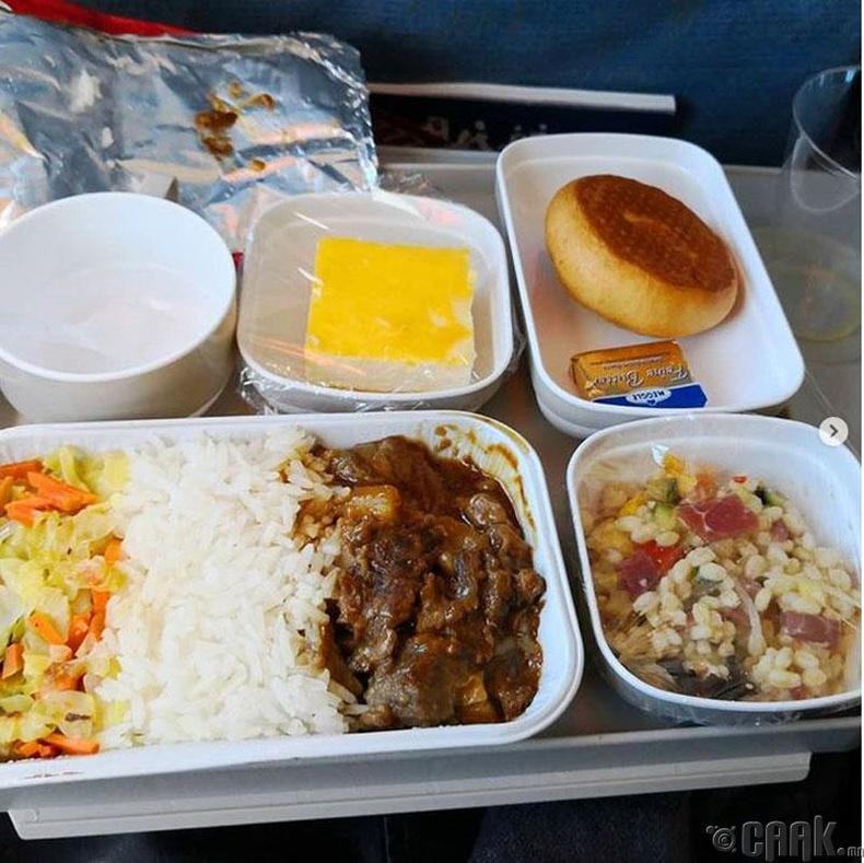 """""""Air China"""" - Үхрийн махтай будаа, салат"""