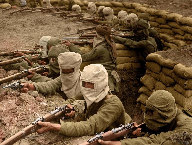 Хорт утааны маск зүүсэн Энэтхэг цэргүүд, 1915 он.