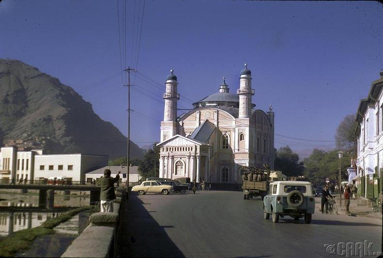 Шах-До Шамшира сүм /20-р зууны эхэн үед Амануллах Ханы үед баригдсан/