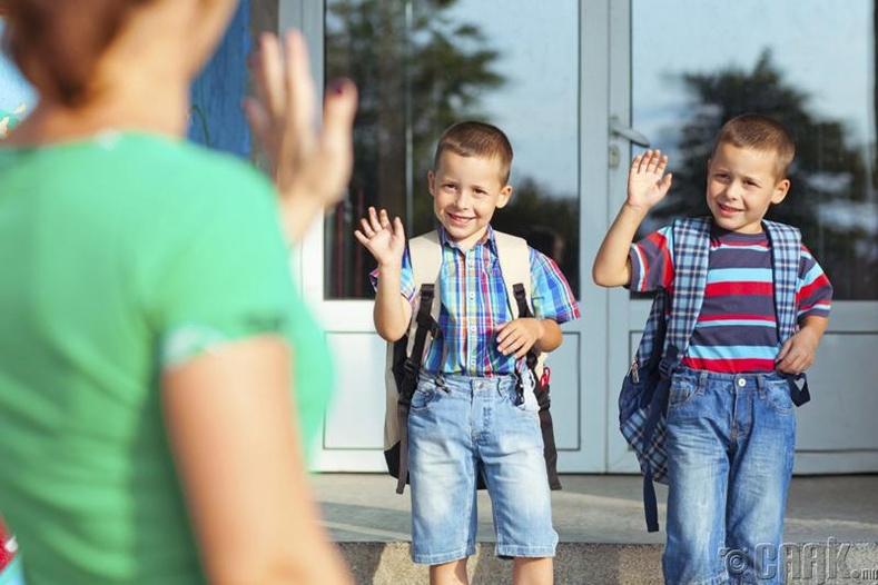 Сургуульд хүүхдийн хараа мууддаг