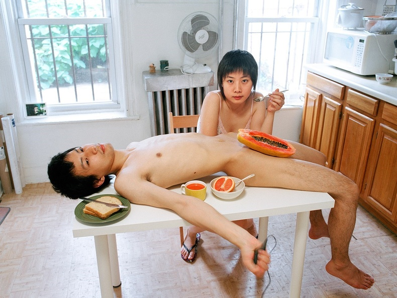 Хятад хосуудын зургууд олон сая хүнийг алмайруулав