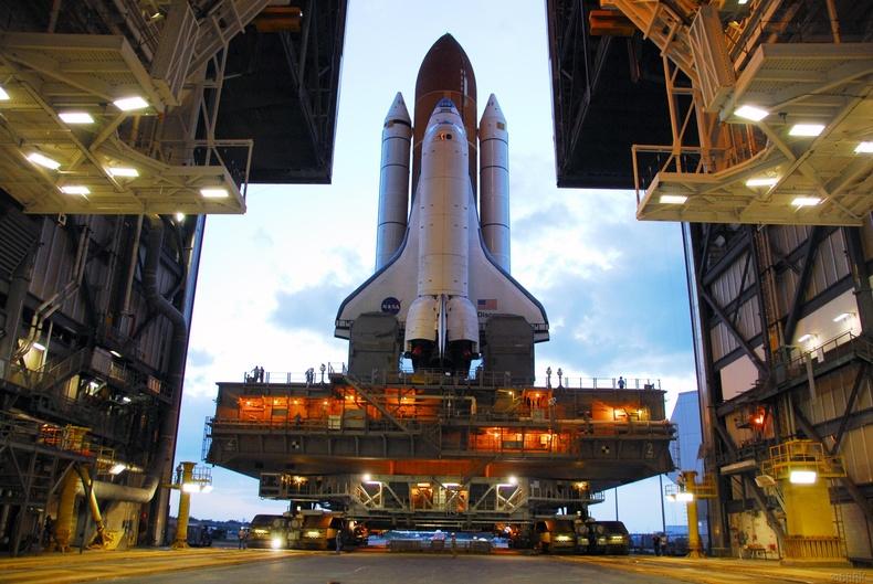 НАСА-гийн пуужин тээвэрлэгч