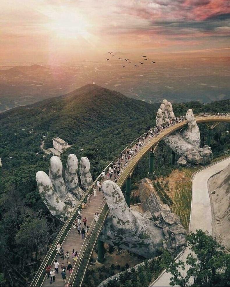 Алтан гүүр, Вьетнам