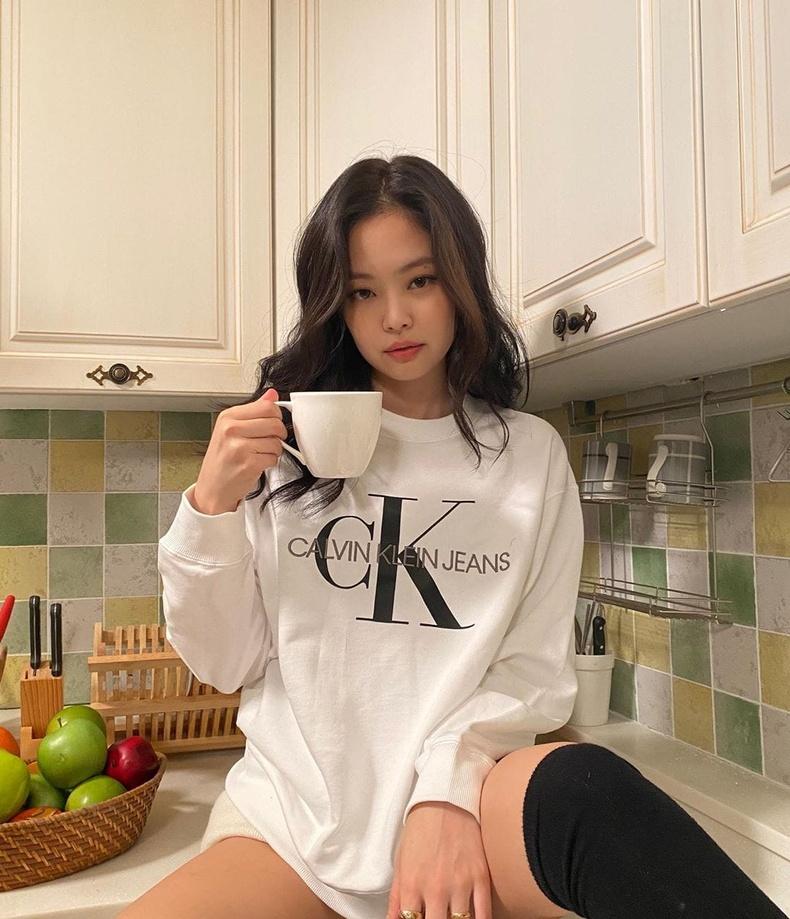 Женни Ким (Jennie) - Солонгосын дуучин, BLACKPINK хамтлагийн гишүүн