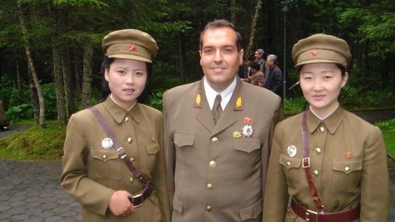 Хойд Солонгосын төрд зүтгэдэг цорын ганц барууны иргэнтэй танилц!