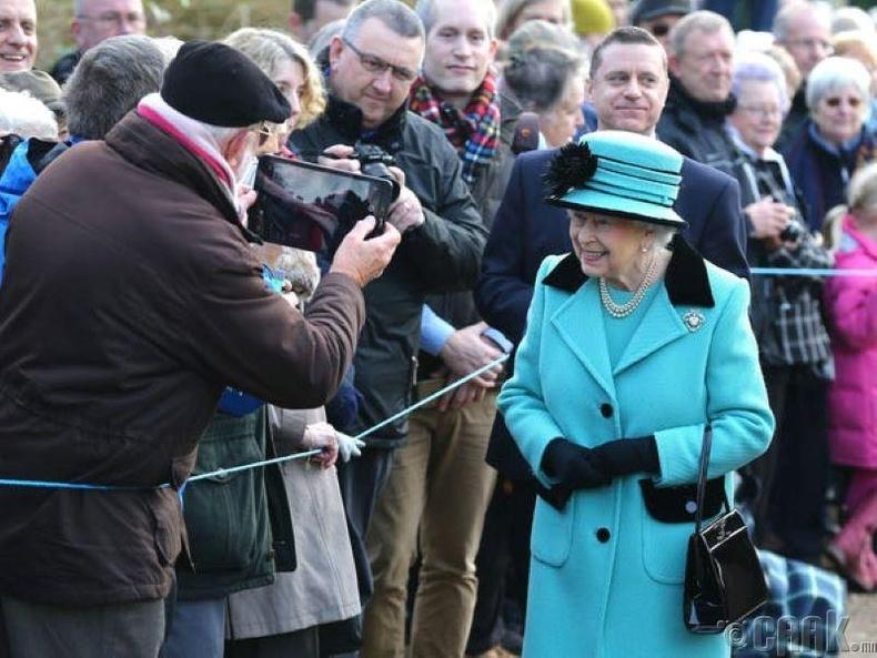 Хатан хаан жил бүр татварын орлогоос хувь хүртдэг