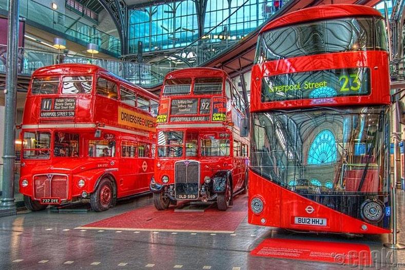 Лондоны давхар улаан автобус