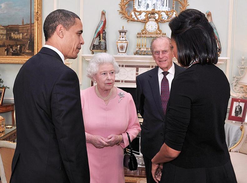 Барак Обамагийн Хатан хаанд өгсөн бэлэг