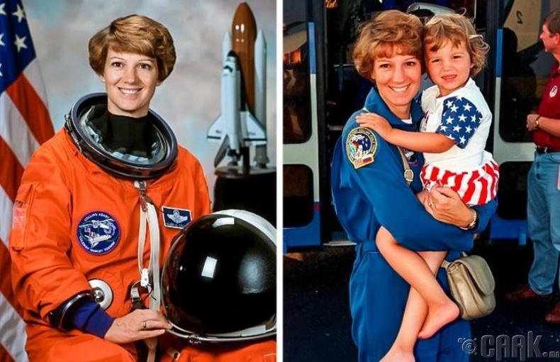 Сансрын хөлгийн ахмад ээж