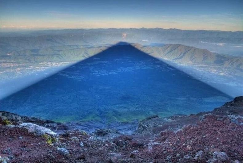 Японы Фүжи уулын сүүдэр
