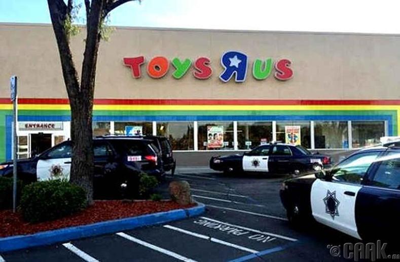 """""""Toys R Us"""" дэлгүүрийн буудалцаан"""