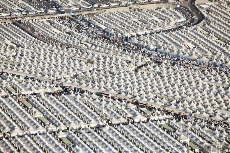 Цөлд орших 40 000 мөргөлчдийн суурин
