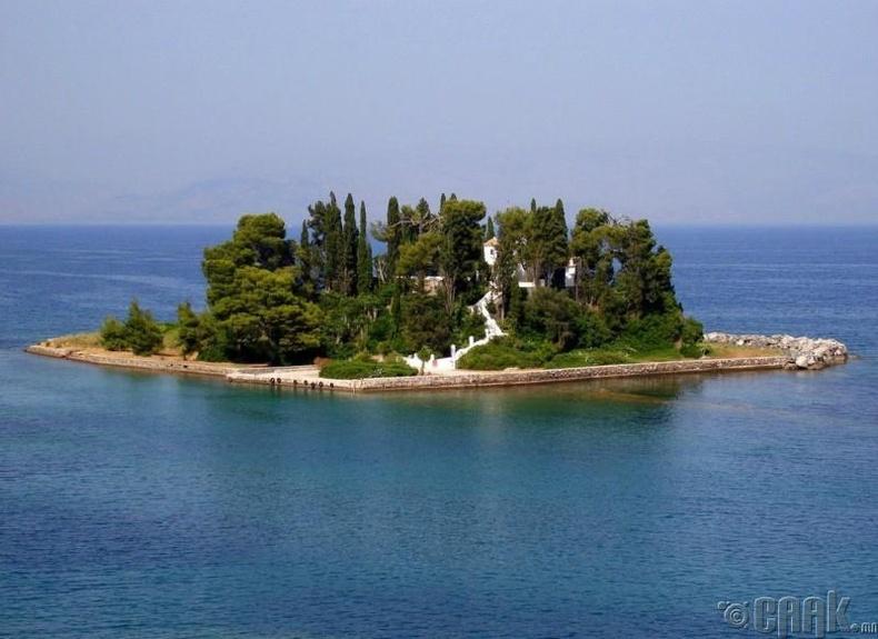 Понтикониси, Грек